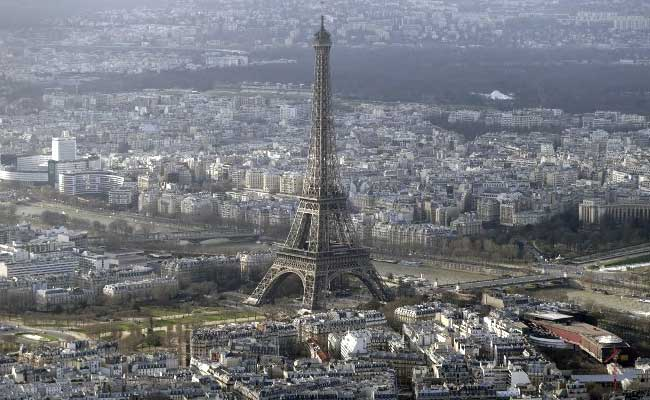 eiffel-tower_650x400_41432303994